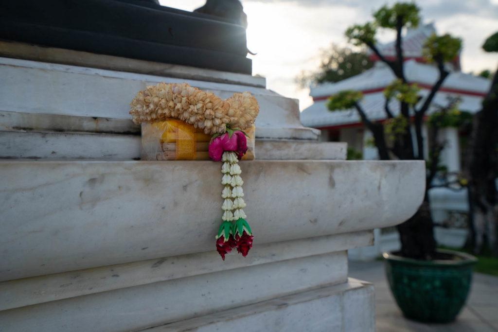 Offering, Wat Arun, Bangkok, Thailand