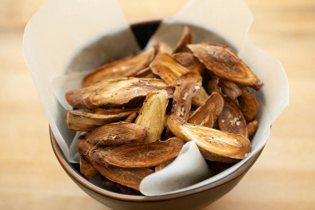 Baked burdock root (gobo) chips
