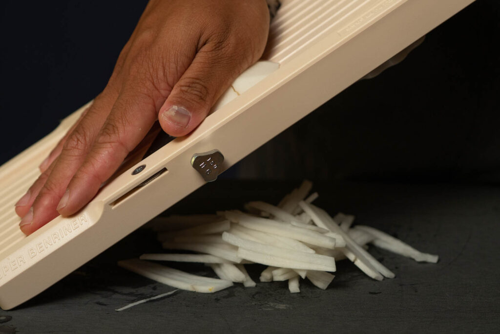 Peel & slice radish into thin strips