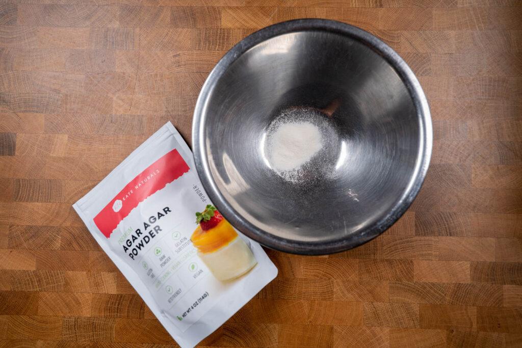 agar powder in bowl
