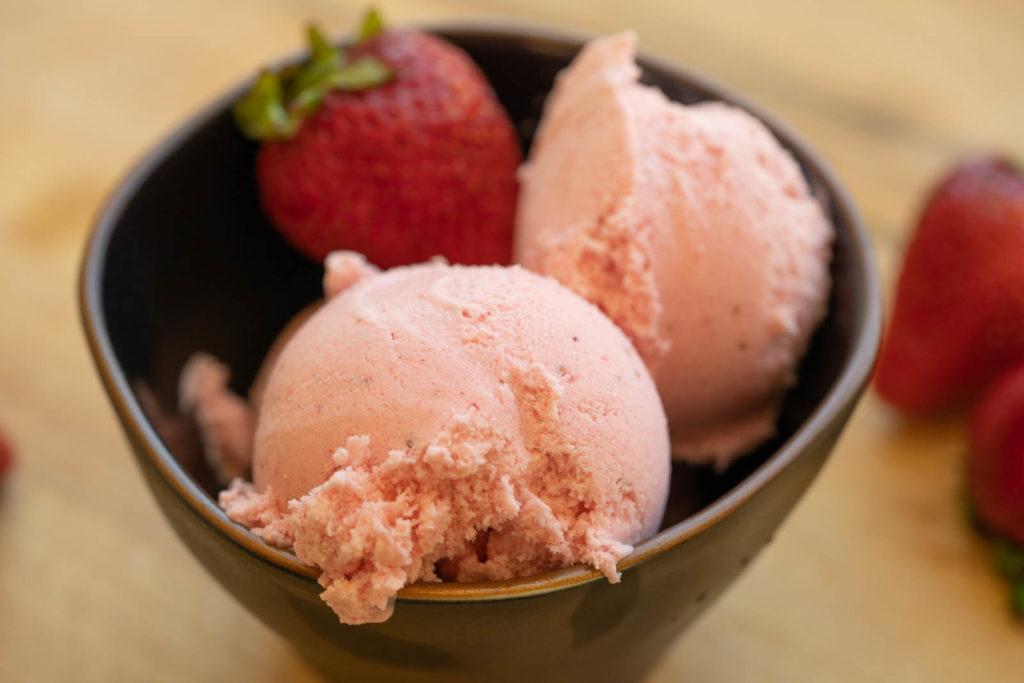 Blended Frozen Strawberry Ice Cream